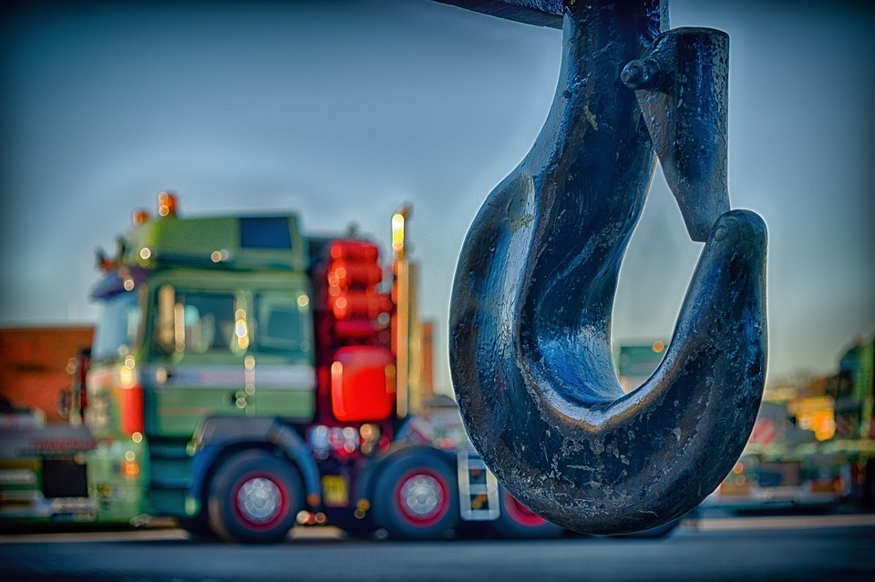 Lorry Crane and How it Can Help with Loading & Unloading of Bulky Items